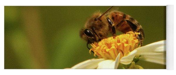 Bee Among Daisies Yoga Mat
