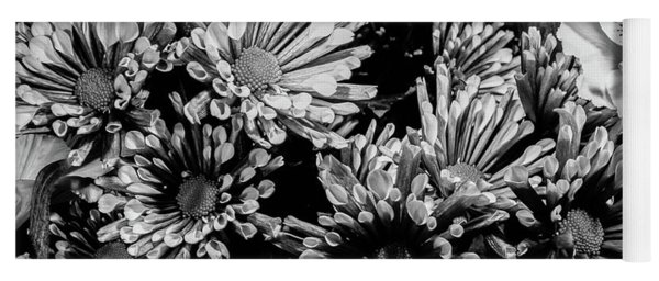 Black And White Bouquet Yoga Mat