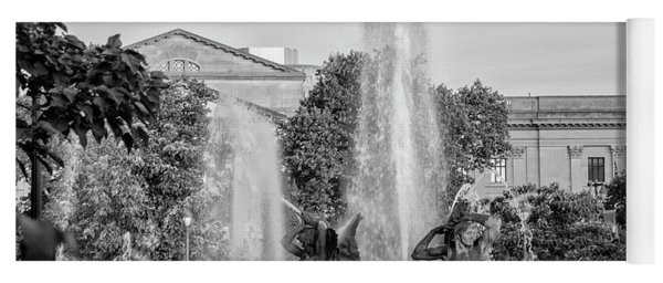Black And White Swann Fountain - Logan Circle - Philadelphia Yoga Mat