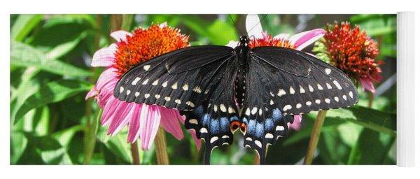Black Beauty Yoga Mat
