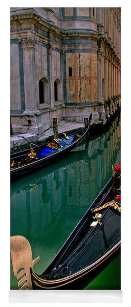 Black Gondola Yoga Mat