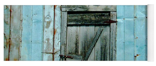 Blue Shed Door  Hwy 61 Mississippi Yoga Mat