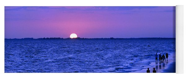 Blue Sunset On The Gulf Of Mexico At Fort Myers Beach In Florida Yoga Mat