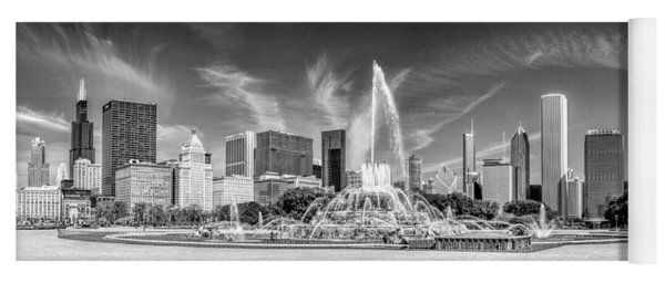 Buckingham Fountain Skyline Panorama Black And White Yoga Mat