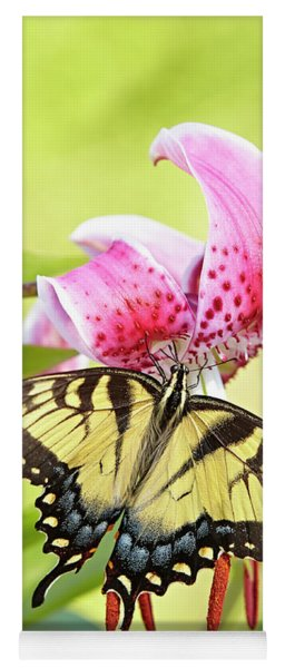 Butterfly And Lily Yoga Mat