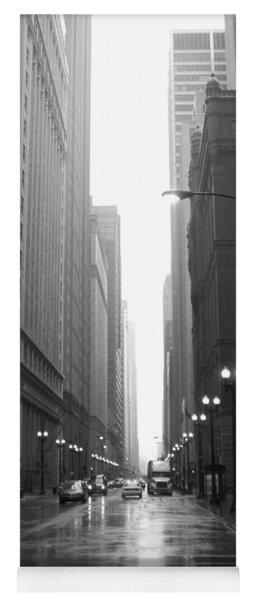 Chicago In The Rain 2 B-w Yoga Mat