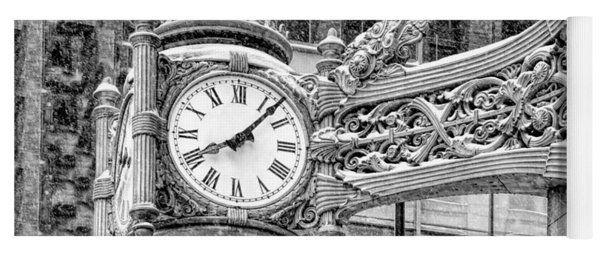 Chicago Marshall Field State Street Clock Black And White Yoga Mat