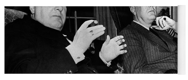 Churchill & Roosevelt Yoga Mat
