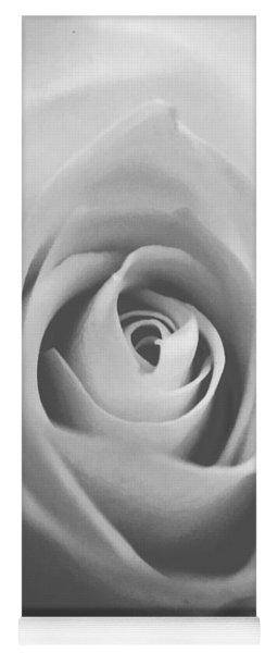 Classic Bw Rose Yoga Mat