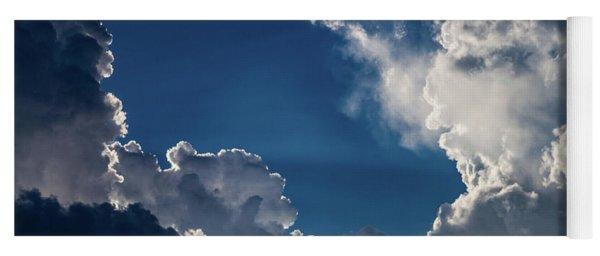 Cloud Face Off Yoga Mat