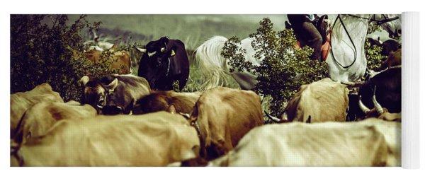 Cowboy On Cattle Round Yoga Mat