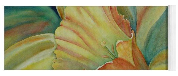 Dazzling Daffodil Yoga Mat