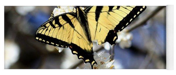 De-tailed Swallowtail Yoga Mat