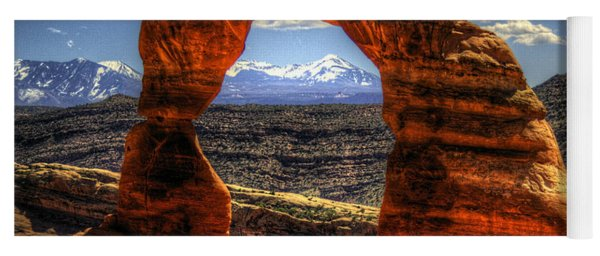 Delicate Arch Framing La Sal Mountains Yoga Mat