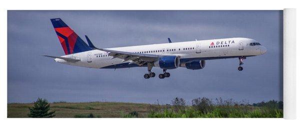 Delta Air Lines 757 Airplane N557nw Art Yoga Mat