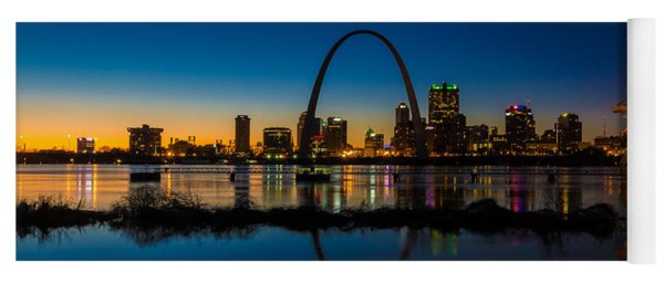 Downtown St. Louis And The Gateway Arch Yoga Mat