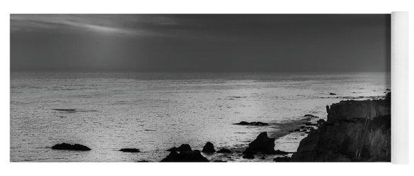 El Matador Beach - B W Yoga Mat