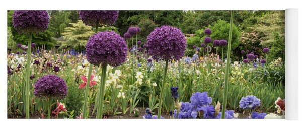 Giant Allium Guards Yoga Mat