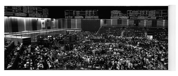 Grayscale Panoramic View Of Chicago Mercantile Exchange Yoga Mat