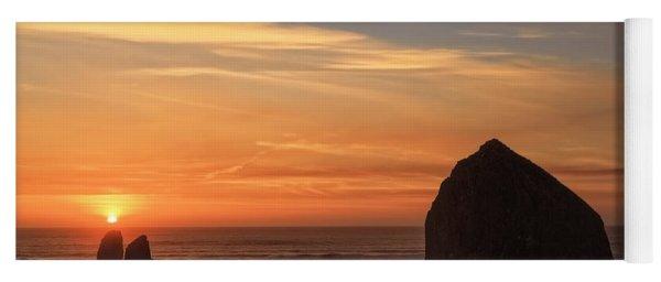 Haystack Rock Sunset, Cannon Beach, Oregon Yoga Mat