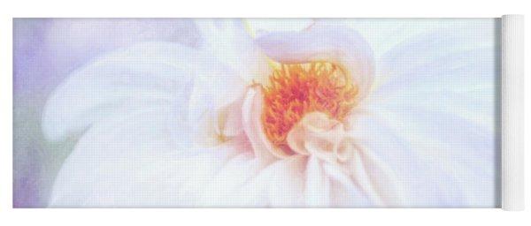 Here Comes The Bride - A Beautiful White Dahlia Yoga Mat