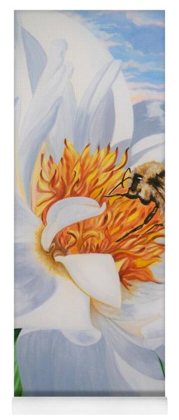 Flygende Lammet Productions     Honey Bee On White Flower Yoga Mat