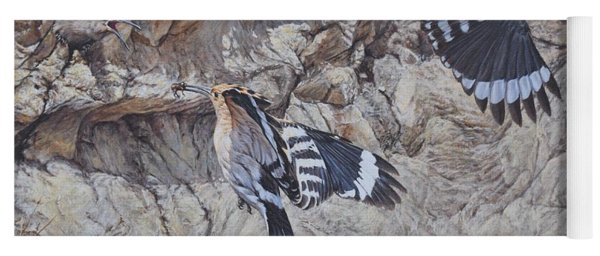Hoopoes Feeding Yoga Mat