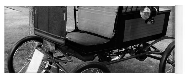 Horseless Carriage-bw Yoga Mat