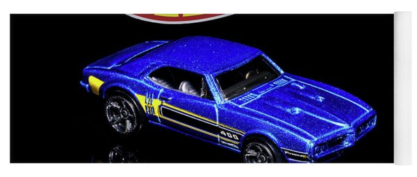 Hot Wheels '67 Pontiac Firebird 400-2 Yoga Mat