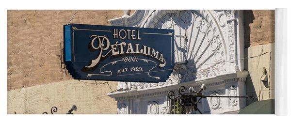 Hotel Petaluma In Petaluma California Usa Dsc3861 Yoga Mat