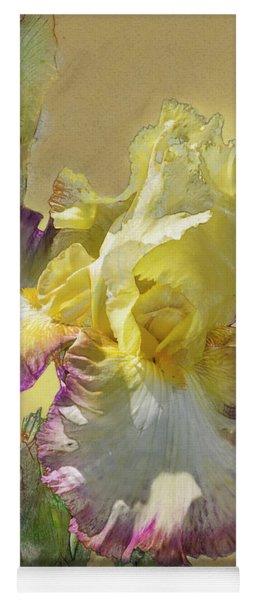 Iris, 'kiss Of Kisses' Yoga Mat