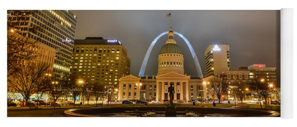 Kiener Plaza And The Gateway Arch Yoga Mat