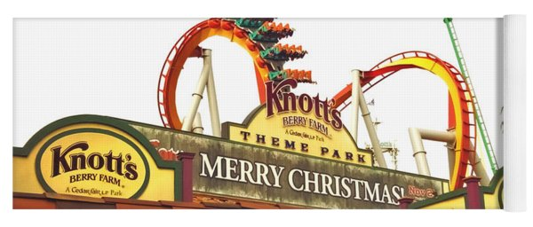 Knott's Berry Farm - Merry Christmas Yoga Mat