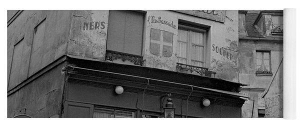 Le Consulat, A Restaurant In Montmartre, Paris, 1977 Yoga Mat