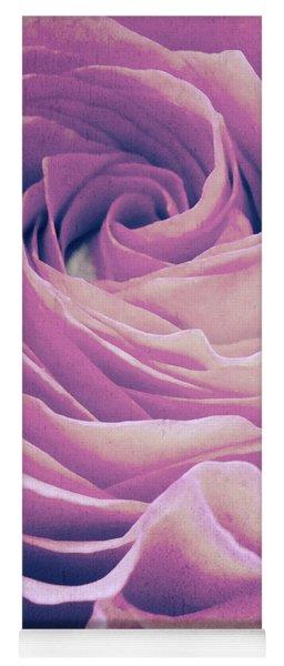 Le Petale De Rose Pourpre Yoga Mat