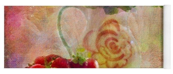 Les Fraises Et Les Fleurs 2015 Yoga Mat
