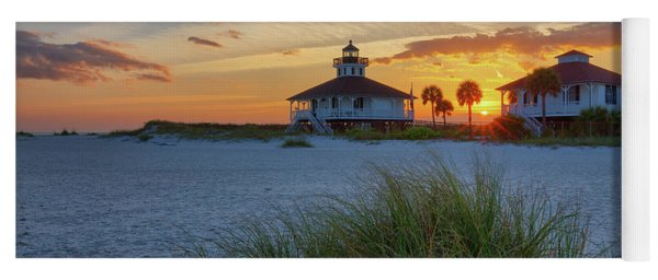 Lighthouse And Keeper's Quarters At Sunset Yoga Mat