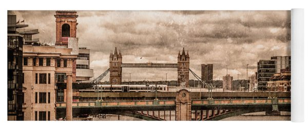 London, England - London Bridges Yoga Mat