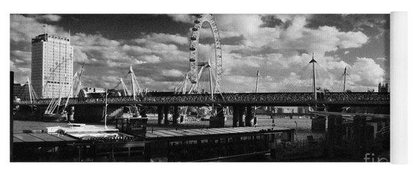 London S Skyline Yoga Mat