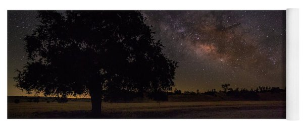 Lone Oak Under The Milky Way Yoga Mat