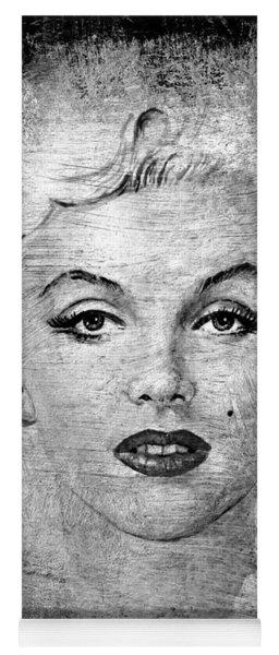 Marilyn Graphite Edit Yoga Mat