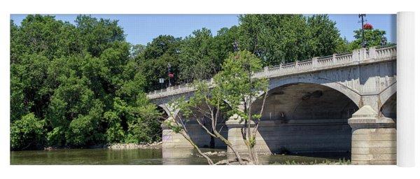 Memorial Bridge Yoga Mat