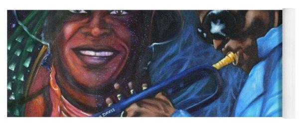 Blaa Kattproduksjoner            Miles Davis - Smiling Yoga Mat