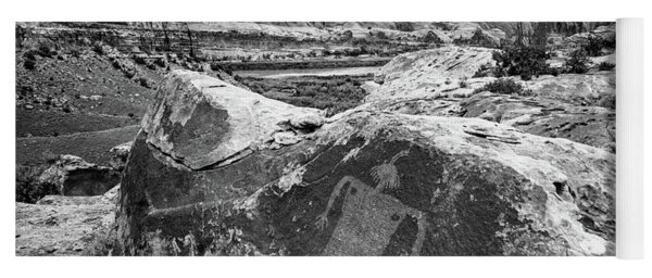 Moab Maiden Petroglyph - Black And White - Utah Yoga Mat