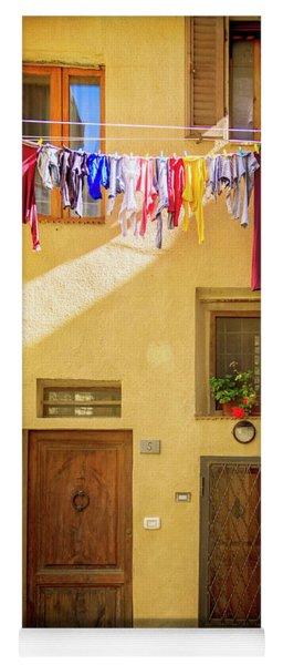 Montefalco Hanging Laundry Yoga Mat