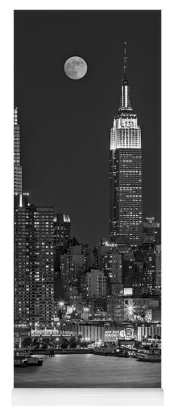 Moonrise Along The Empire State Building Bw  Yoga Mat