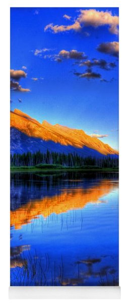 Mountain Reflection Yoga Mat