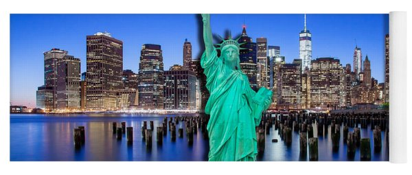 New York Classic Skyline With Statue Of Liberty Yoga Mat