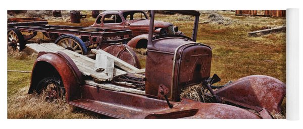 Old Cars Bodie Yoga Mat