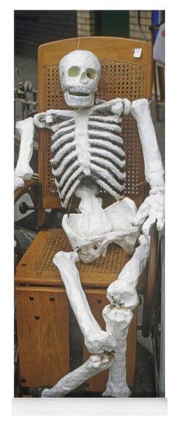 Old Deadheads Never Die Yoga Mat